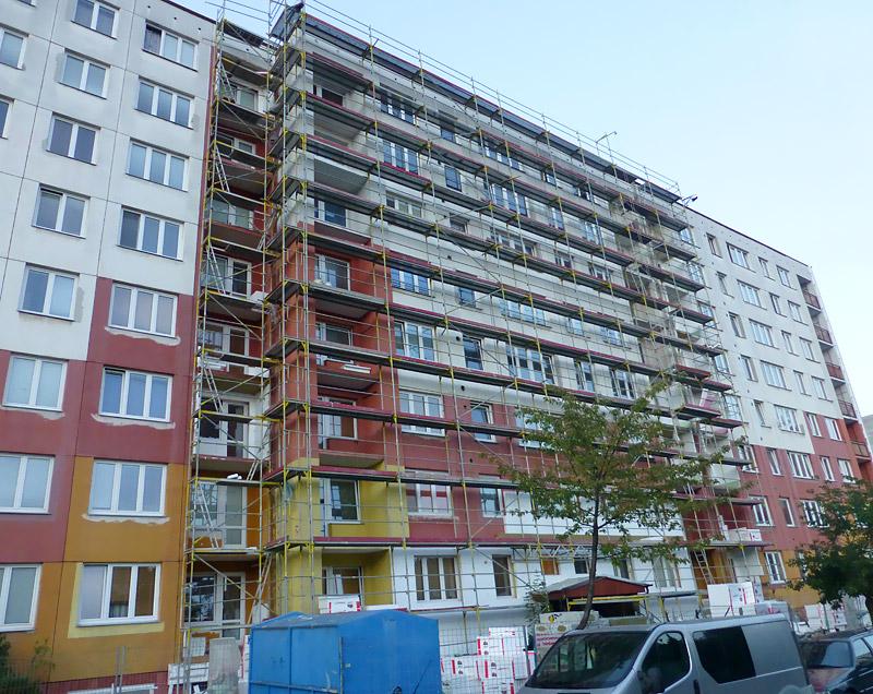 Fasádní lešení - panelový dům Václava Ostrava