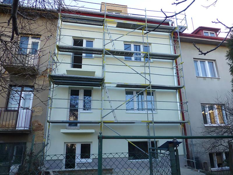 Fasádní lešení - rodinný dům Praha 8