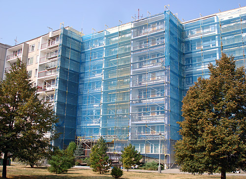 Zateplení panelového domu Majerského, Praha - fasádní lešení