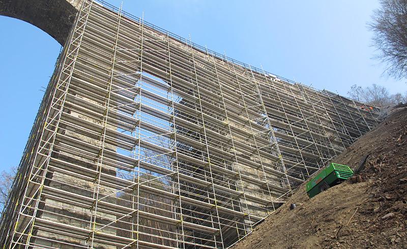 Sanace Žampašského mostu - fasádní lešení