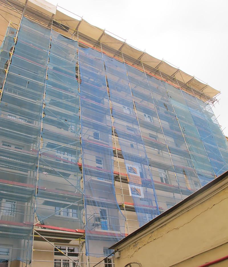 Rečkova Praha - fasádní lešení, zastřešení staveb WACO