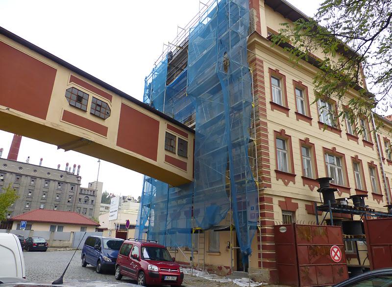 Pod Pekárkami Praha - fasádní lešení