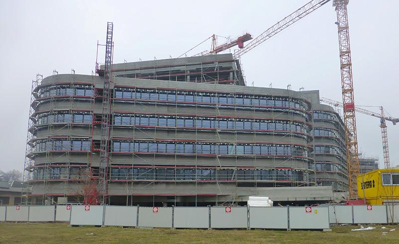 Administrativní budova Palmovka park II Praha 8 - fasádní lešení