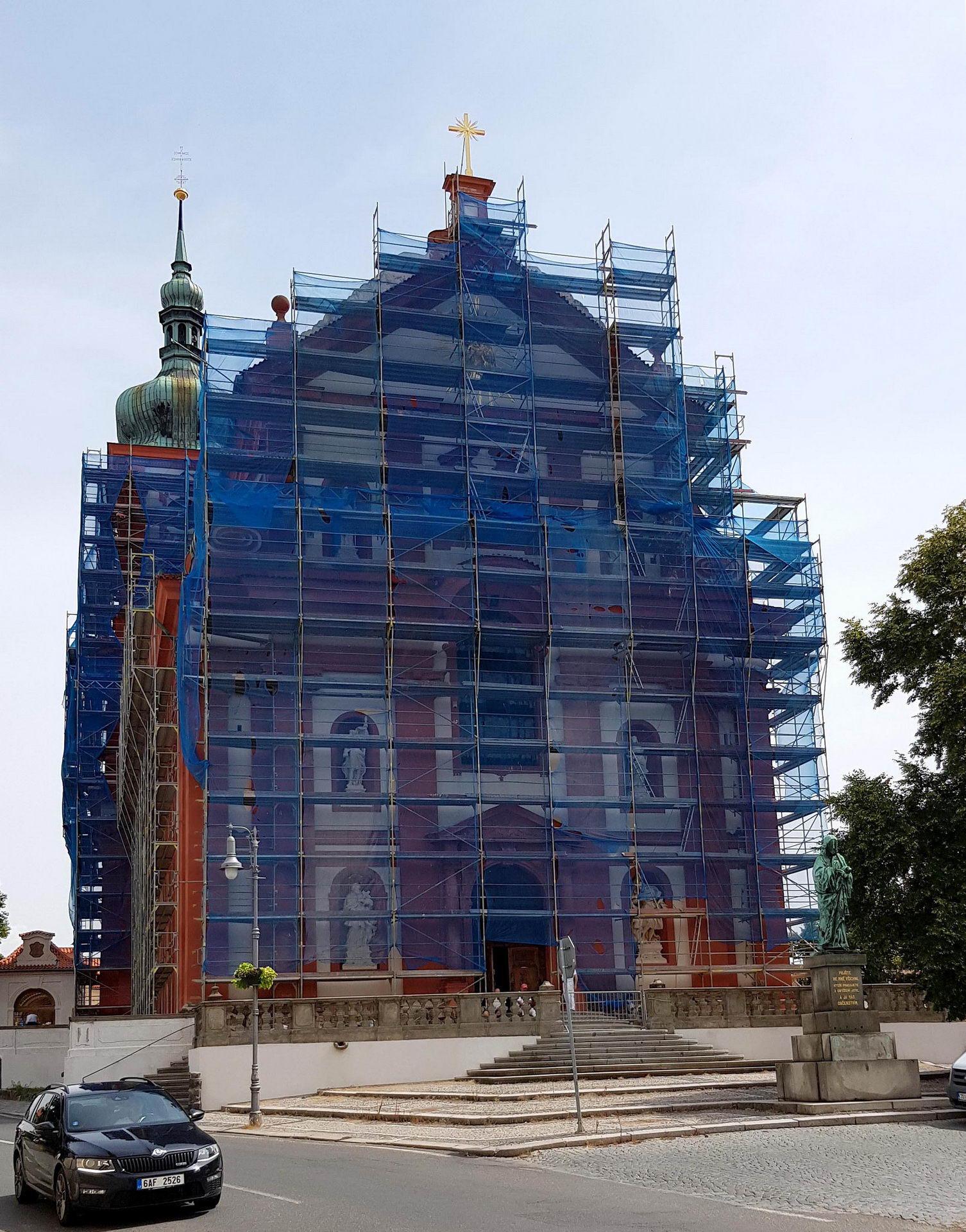 Fasádní lešení - Bazilika Nanebevzetí Panny Marie